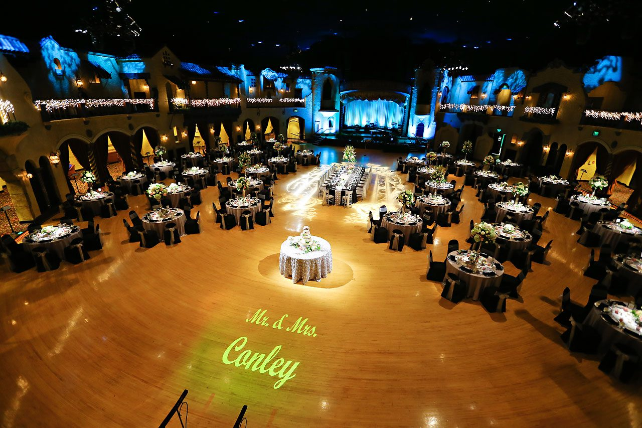 Moey Drew Indiana Roof Ballroom Wedding 162