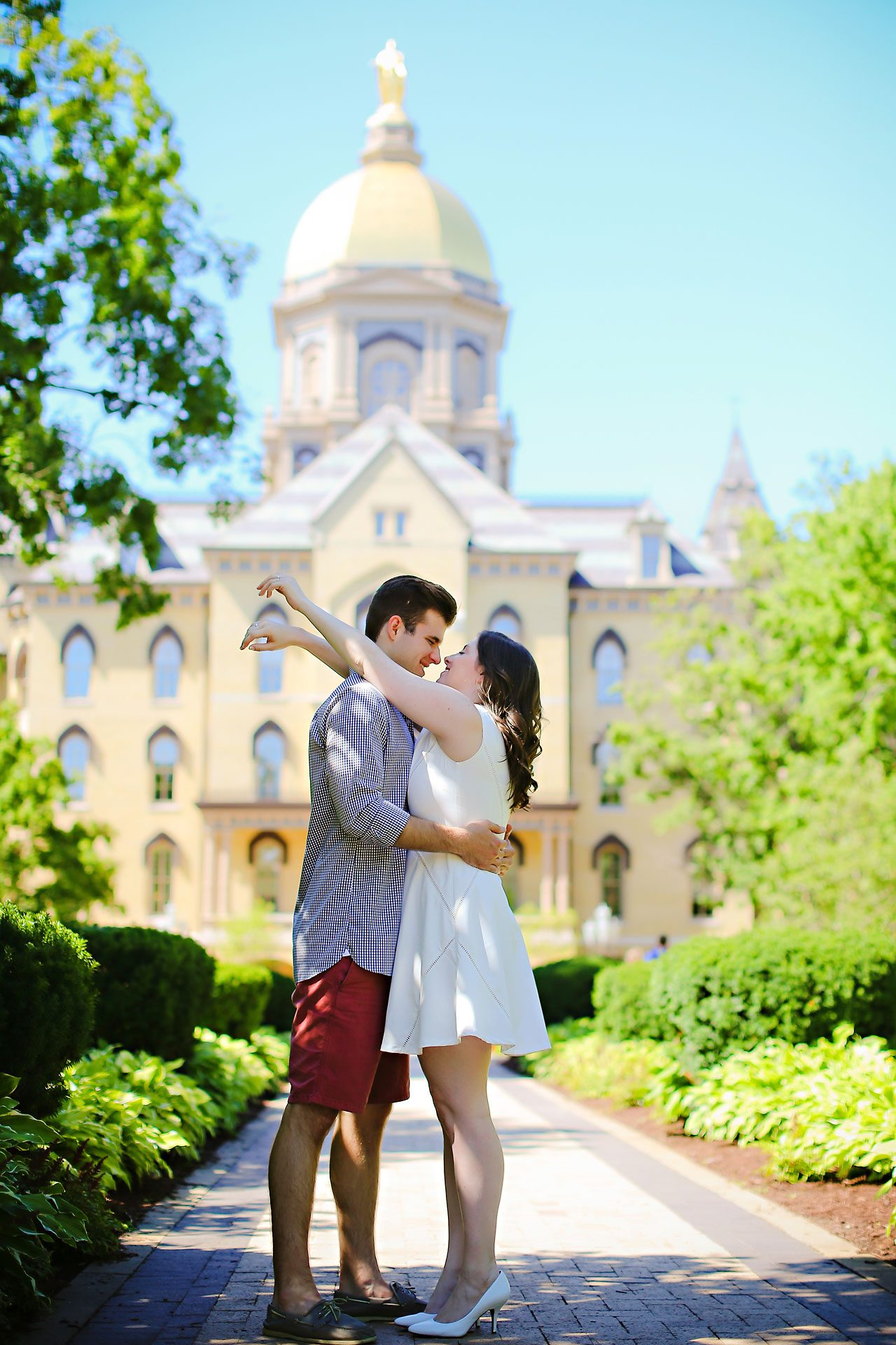 Jessie Chris Notre Dame Engagement Session 096