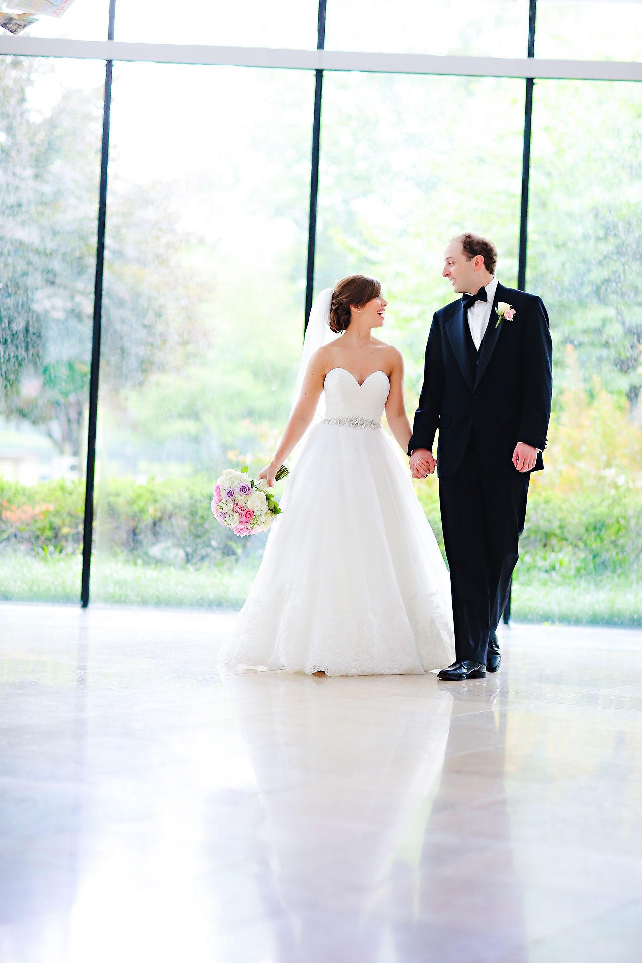 Jackie Charlie Indianapolis Museum of Art Wedding 113