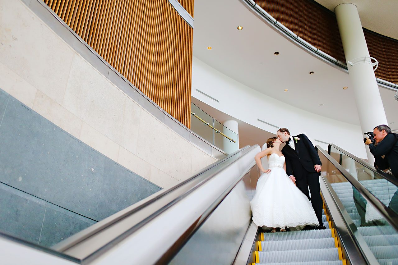 Jackie Charlie Indianapolis Museum of Art Wedding 126