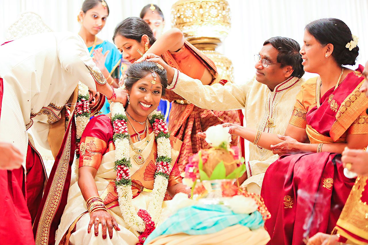 Anu Paras Indiana Indian Wedding