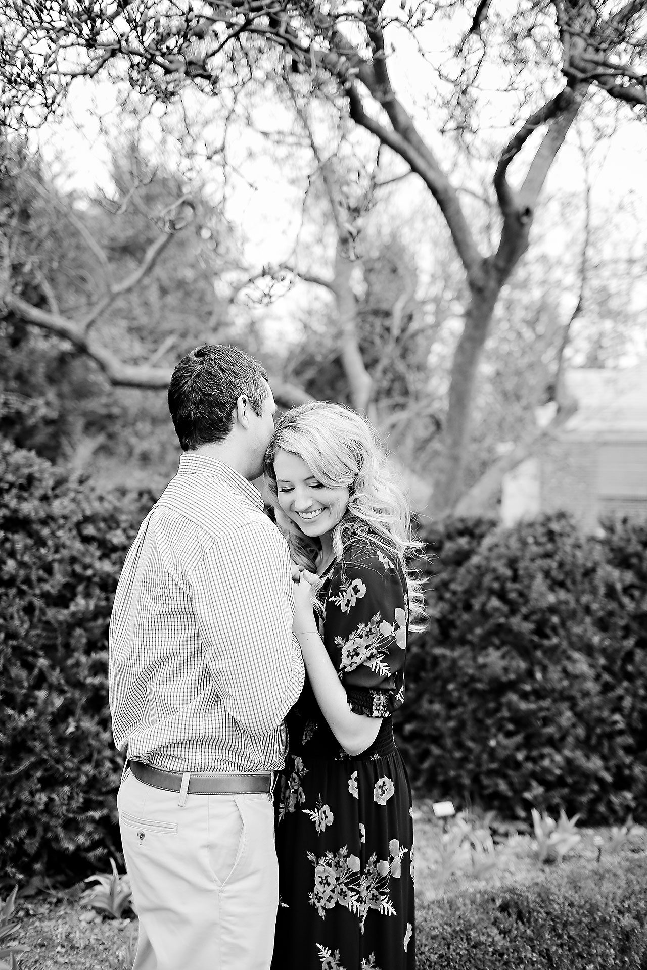 Emily Alex Indianapolis Museum of Art Engagement Session 026