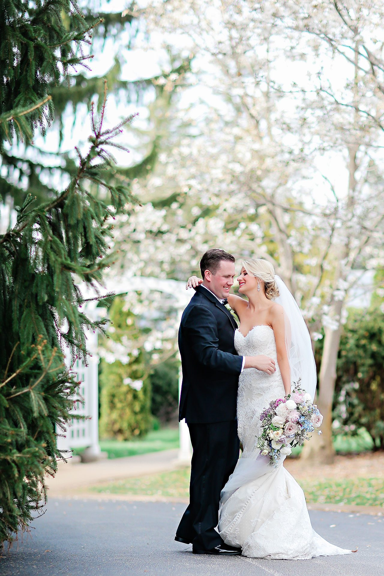 Taryn Jon Indianapolis Museum Of Art Newfields Wedding 208