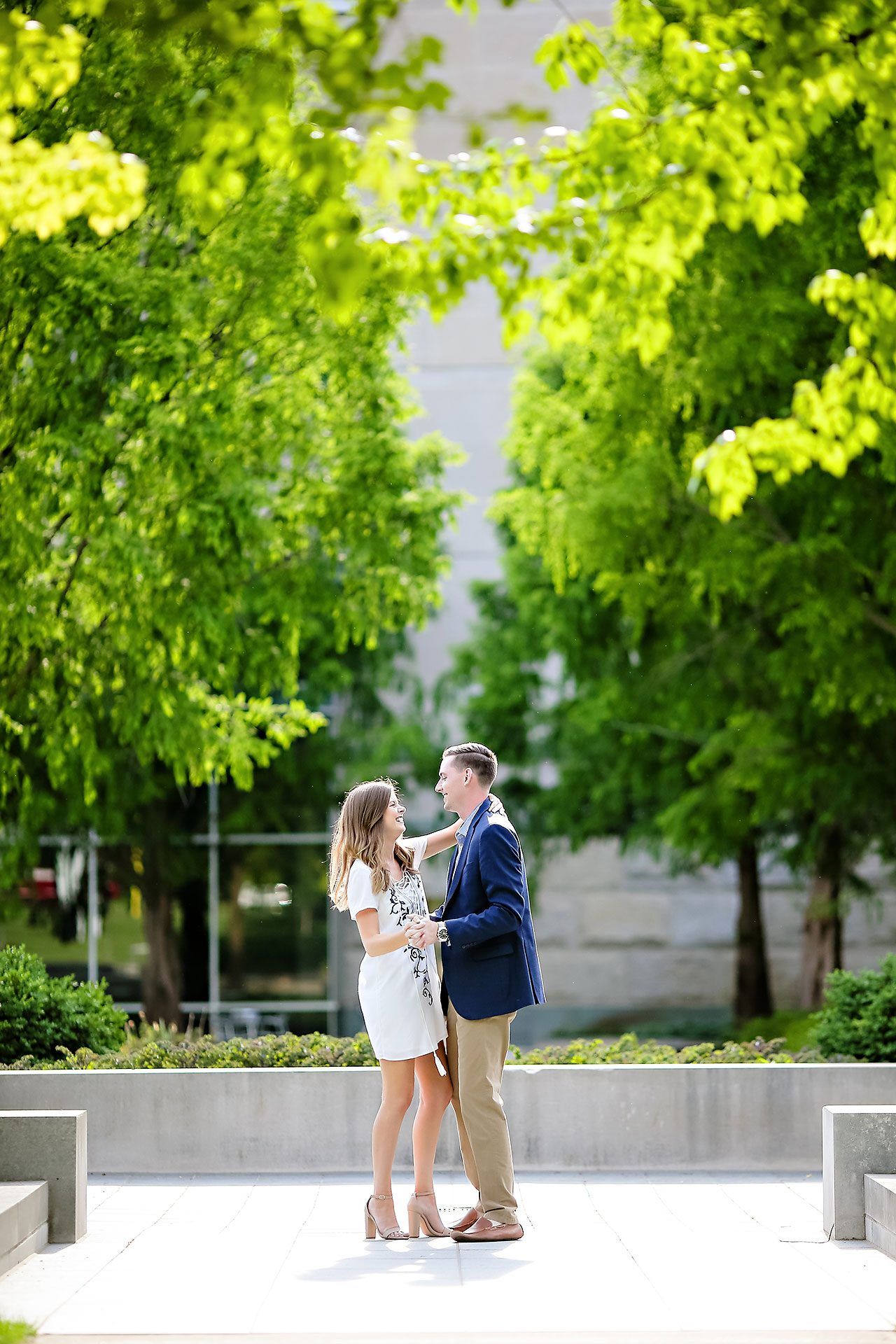 Erin Grant Indianpolis Museum of Art Newfields Engagement Session 069