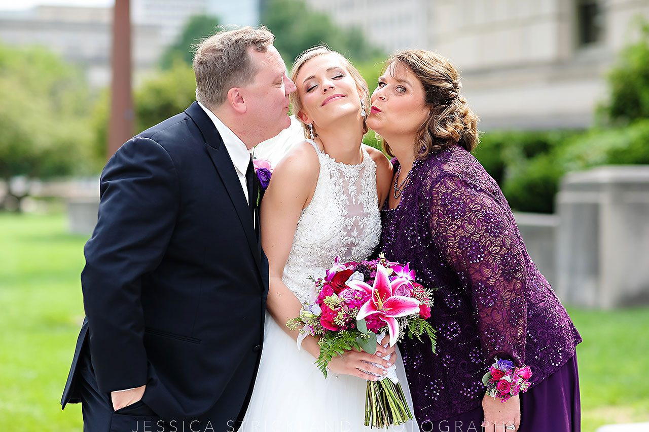 Serra Alex Regions Tower Indianapolis Wedding 093 watermarked