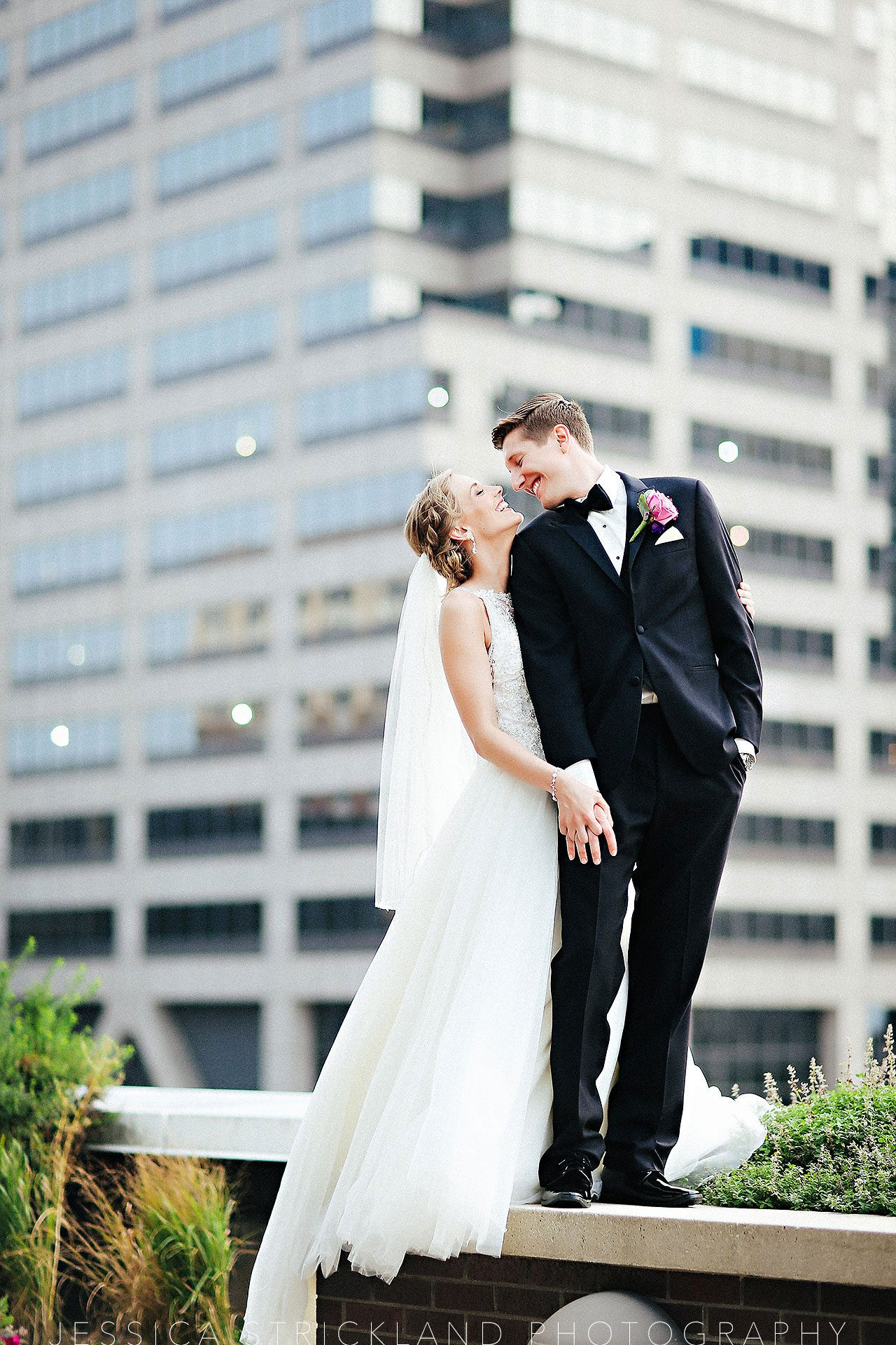 Serra Alex Regions Tower Indianapolis Wedding 236 watermarked