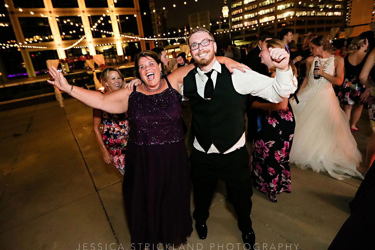 Serra Alex Regions Tower Indianapolis Wedding 426 watermarked
