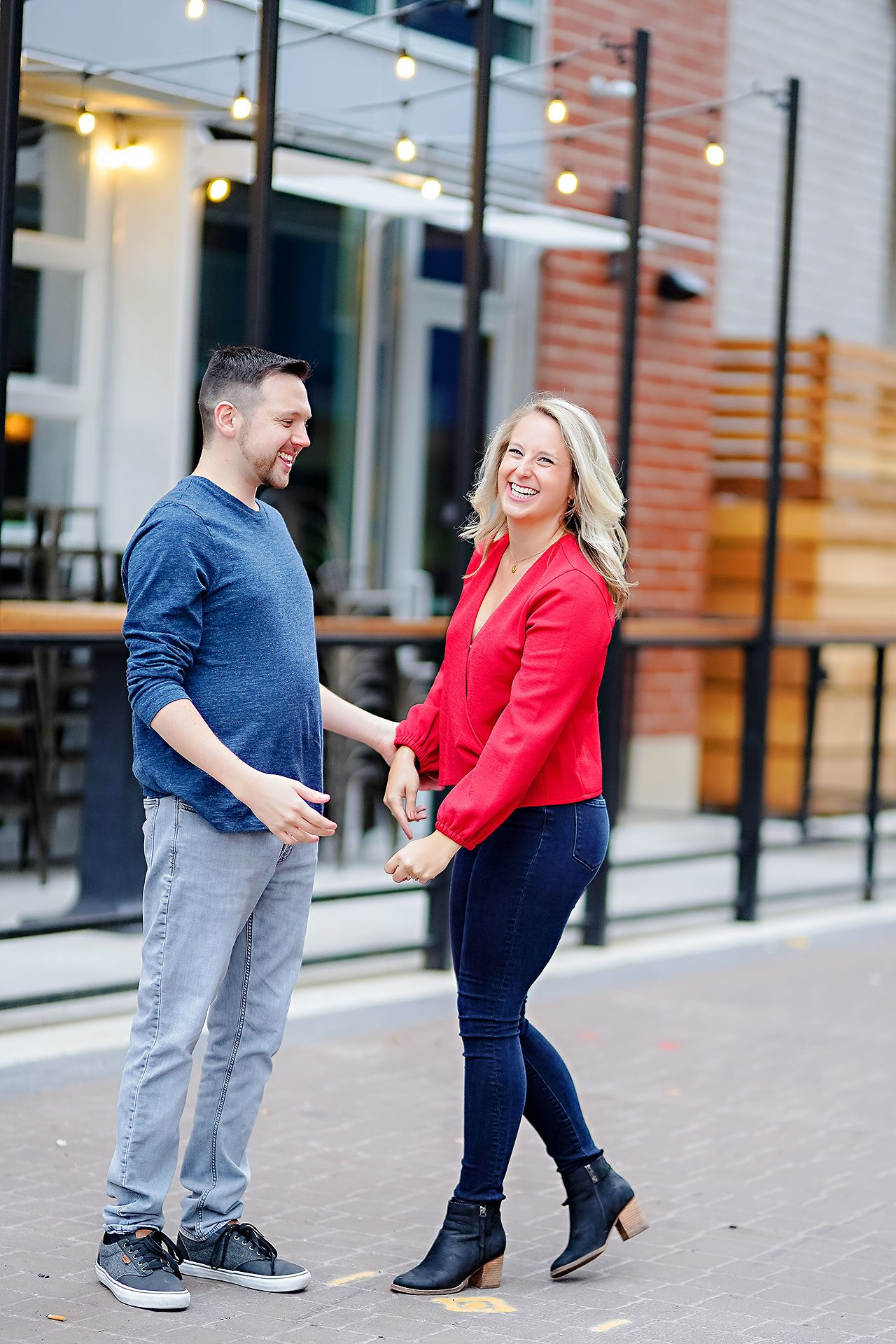 Kristen Jonny Indianapolis Downtown Engagement Session 008