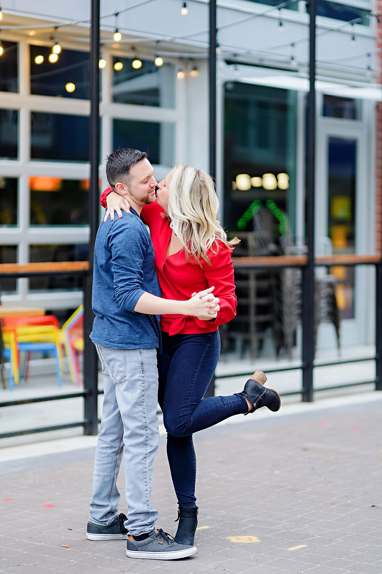 Kristen Jonny Indianapolis Downtown Engagement Session 014