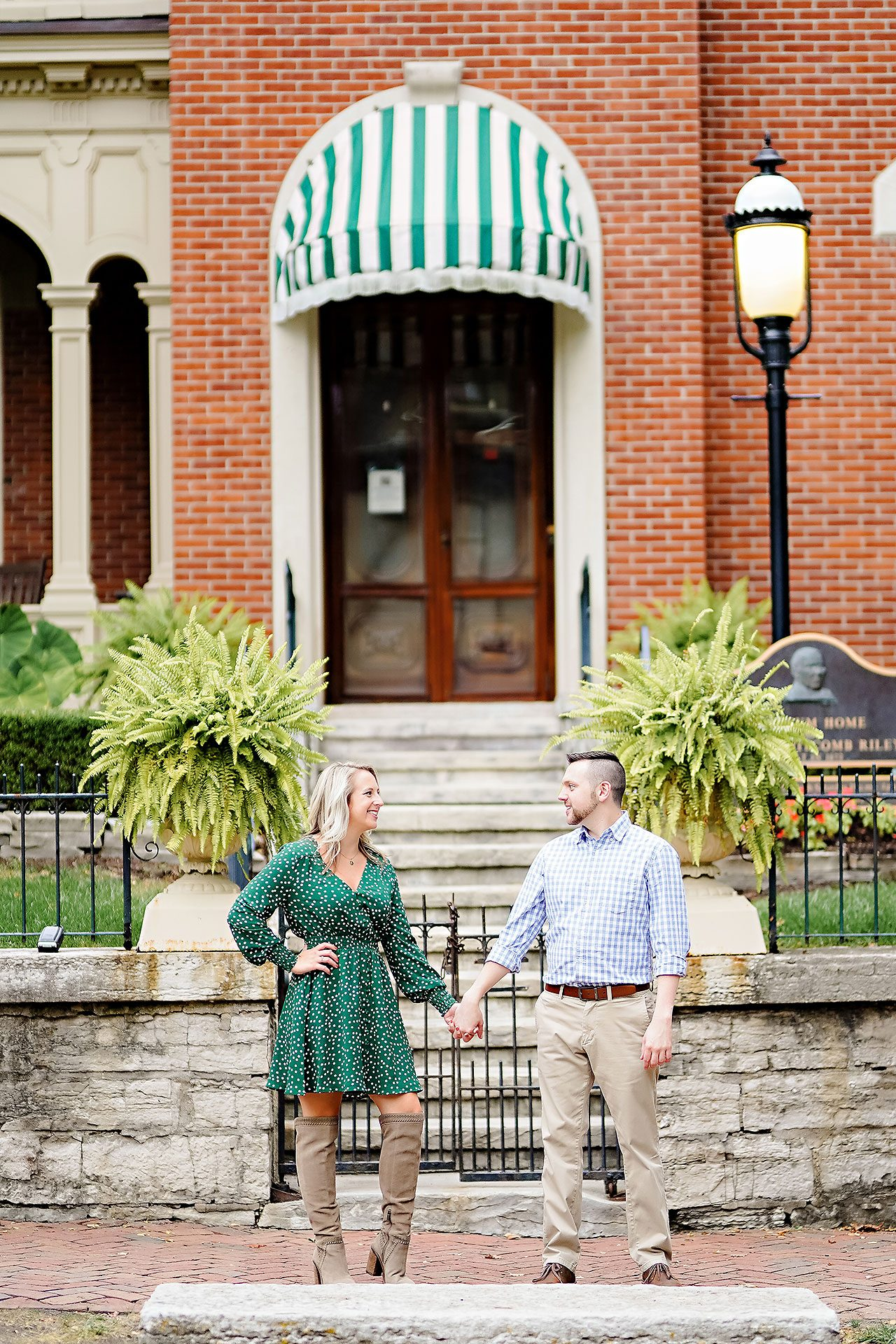 Kristen Jonny Indianapolis Downtown Engagement Session 078